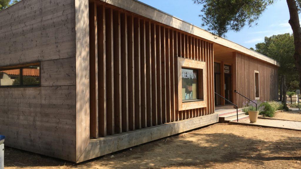 Bâtiment accueil camping ossature en bois