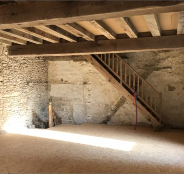 Restauration batîment ancien avec escalier