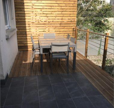 terrasse en bois en garde corps inox et en verre