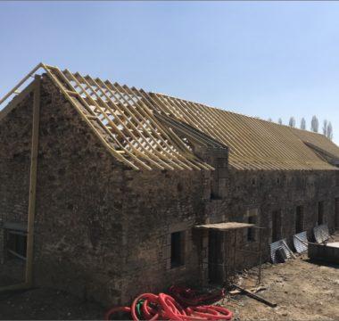 Rénovation charpente en bois grange